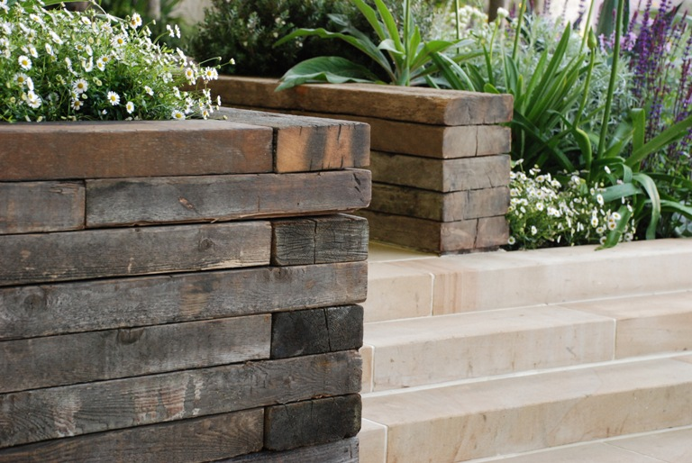 The final day of the chelsea flower show lisa cox garden for Garden designs using sleepers