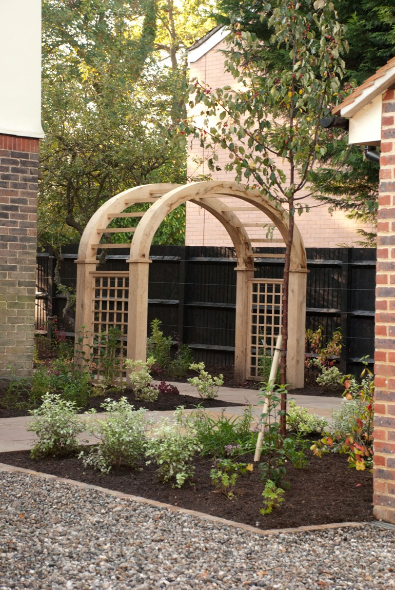 Timber arch lisa cox garden designs blog for Garden archway designs