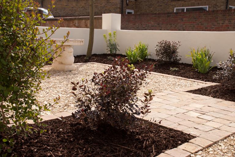 Horcott Gavel Driveway Edged With Setts Lisa Cox Garden