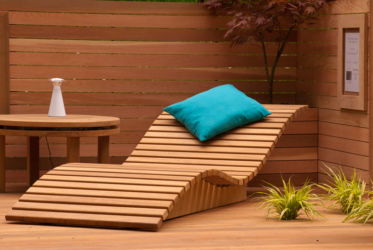 Wooden Sun Lounger | Lisa Cox Garden Designs Blog