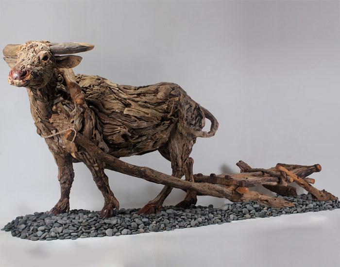 Carabo-Balsa-sculpture-James-Doran-Webb.