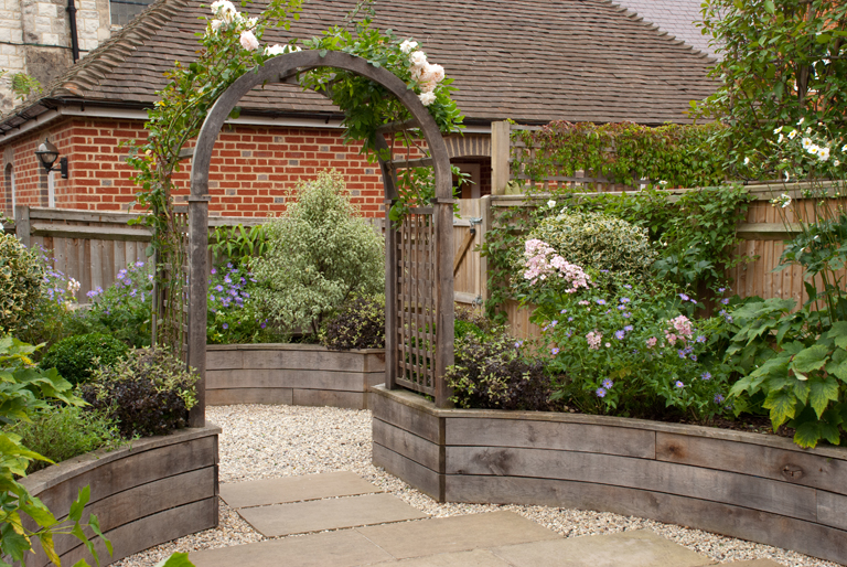Small garden design lisa cox garden designs blog for Garden archway designs