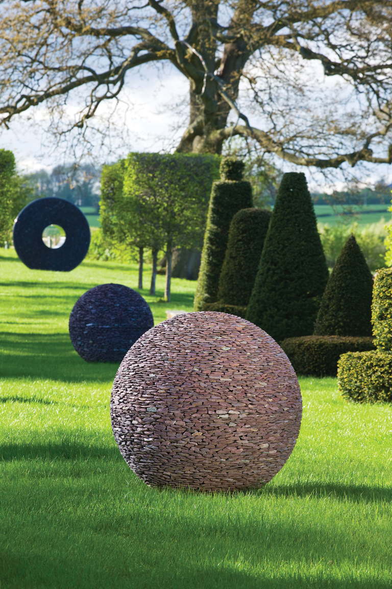Handmade garden sculpture by david harber lisa cox for Jardin moderne contemporain