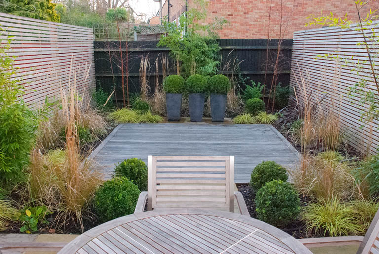 Contemporary garden sutton lisa cox garden designs blog for Back garden designs uk