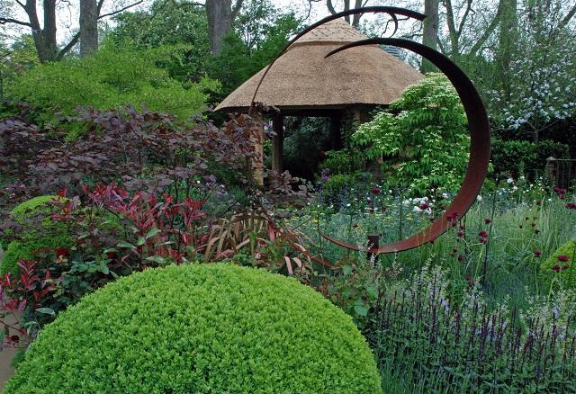 M&G Garden by Roger Platts Chelsea 2013