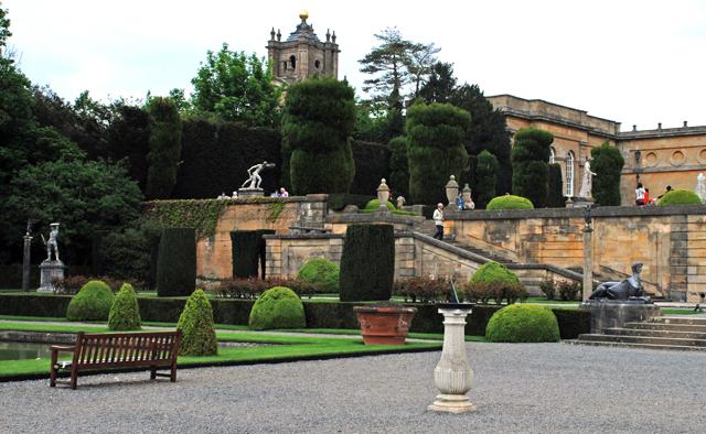 Blenheim Palace Gardens by Lisa Cox