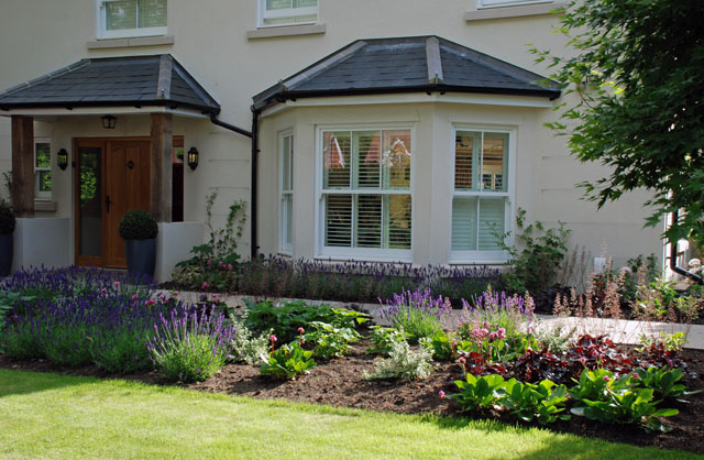 Planting ideas for front of house uk pdf for Front garden design ideas uk