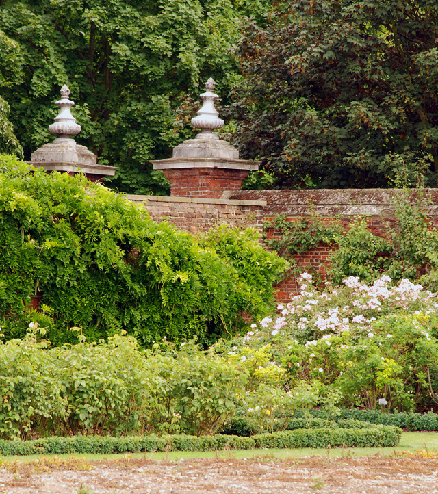 Gates to The Rose Garden at Hampton Court Palace Lisa Cox