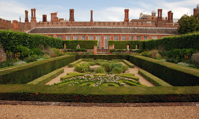 Hampton Court Palace Garden Lisa Cox
