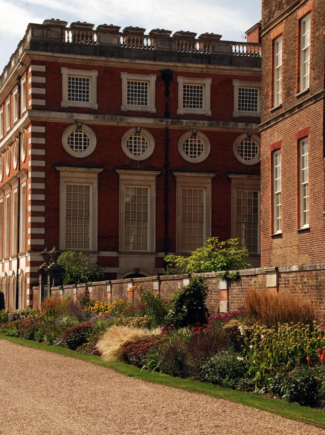 Hampton Court Palace Lisa Cox Garden Designs