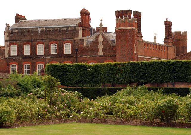 Hampton Court Palace Lisa Cox