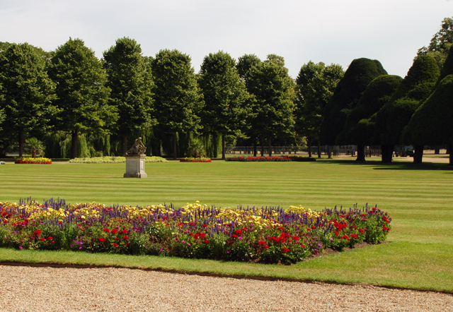 Lawn at Hampton Court Palace Lisa Cox Garden Designs