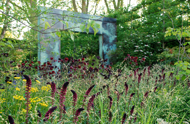 Amazing copper arches Brewin Dolphin Gdn RHS Chelsea 2014 Lisa Cox