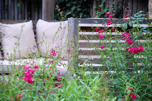 Bespoke lounge seating Twickenham garden Lisa Cox Designs
