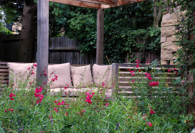 Covered seating area lisa cox garden designs blog for Garden designs seating areas