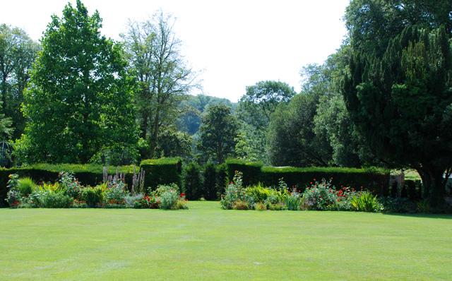 Christopher Lloyd border at Glyndebourne Manor Lisa Cox Garden Designs - Copy