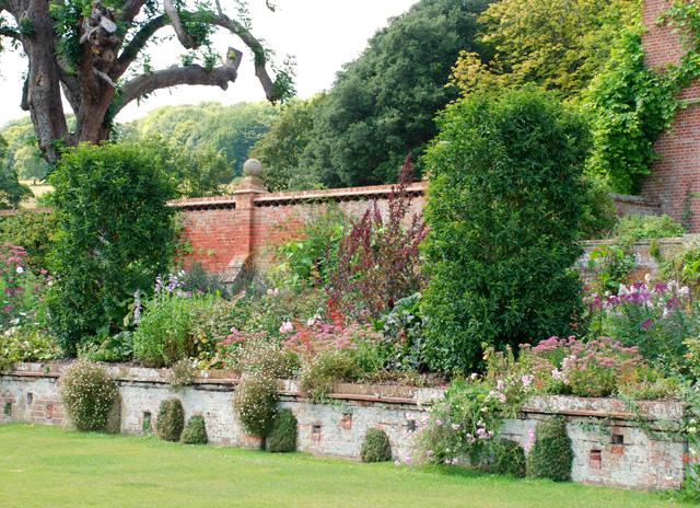 Long borders at Glyndebourne Lisa Cox Garden Designs - Copy