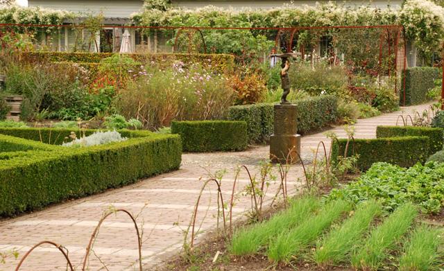 Garden at Hotel Villa Augustus NL Lisa Cox Designs