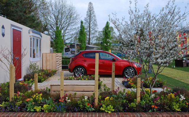 A Front Garden Lisa Cox & Victoria Park Mazda RHS Cardiff 2015
