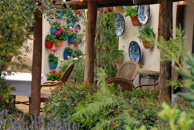An Adalusian moment garden at RHS Malvern 2015 Lisa Cox