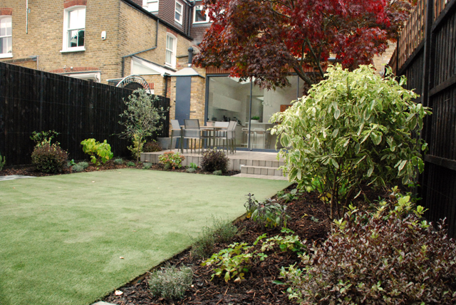 Small town house garden Chiswick Lisa Cox Garden Designs