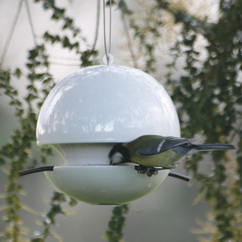 seed-feeder-ideal-for-gardeners-and-wildlife-lovers Hen & Hammock