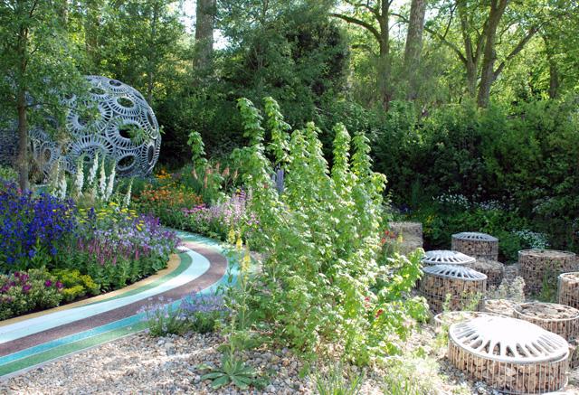 Brewin Dolphin garden Rosy Hardy 2016 Lisa Cox