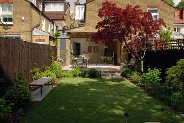 Chiswick garden looking towards terrace Lisa Cox Designs