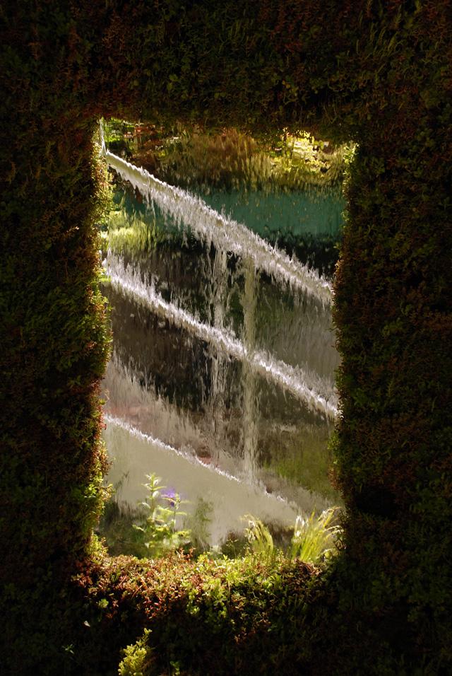 Senri-Sentei Garage water feature Garden Chelsea 2016 Lisa Cox