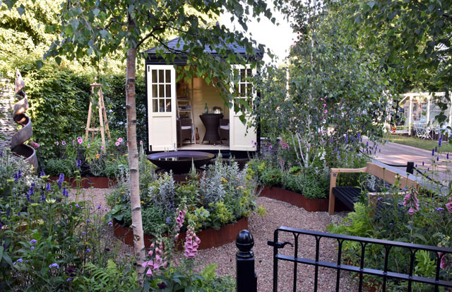 A Summer Retreat Garden RHS Hampton 2016 Lisa Cox