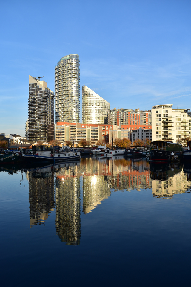 boats-and-buildings-canary-wharf-lisa-cox-designs