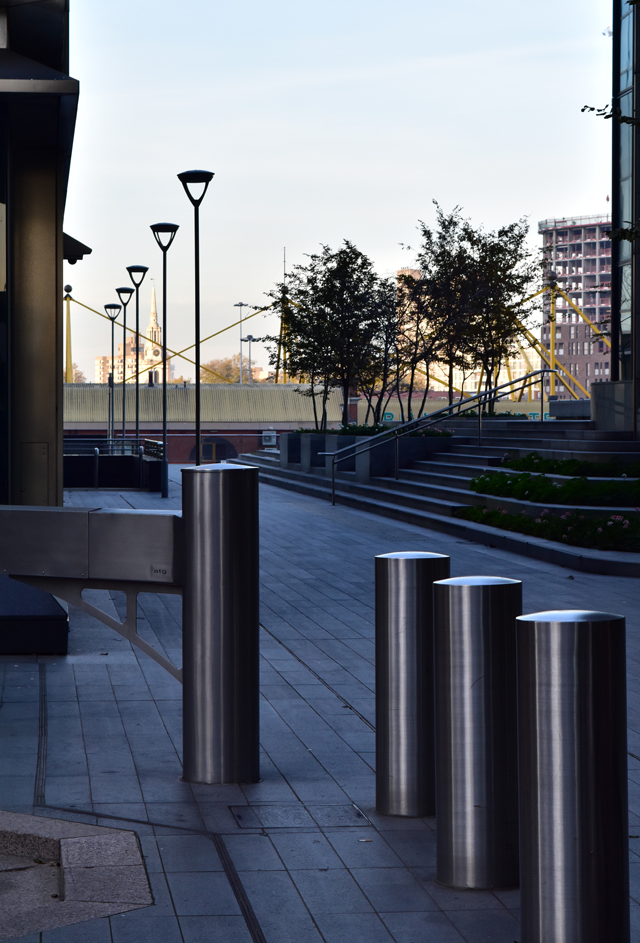 canary-wharf-street-lisa-cox-designs
