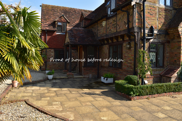 front-of-house-before-redesign-lisa-cox-gardens