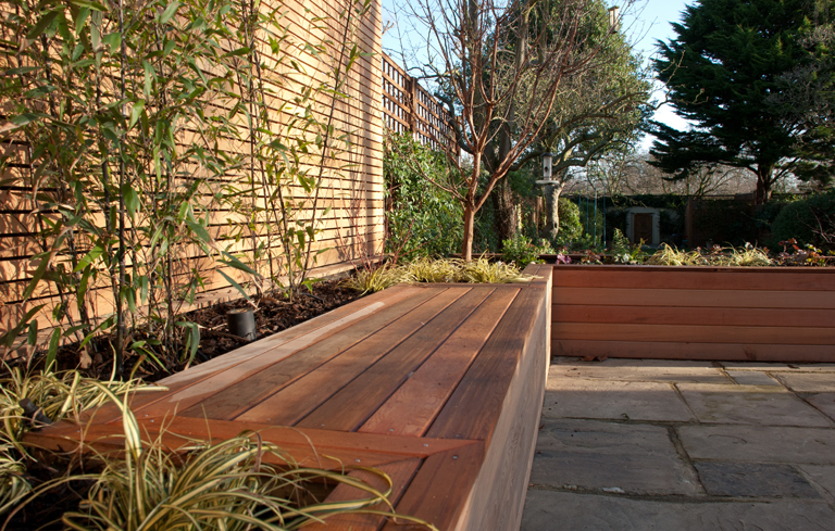 Integral bench seat - London terrace