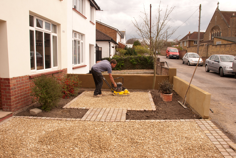 From the drawing board construction of my front garden for Garden designs using gravel