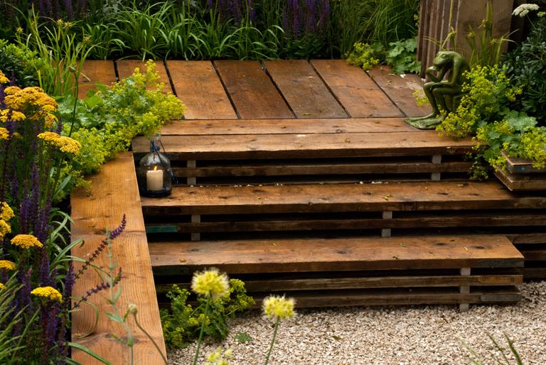 Reclaimed scaffold boards lisa cox garden designs blog for Decking at end of garden
