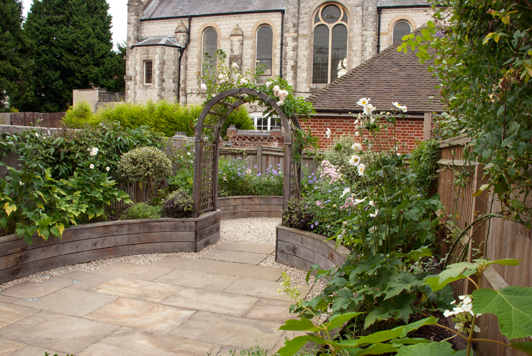 Small garden design lisa cox garden designs blog for Garden design reigate