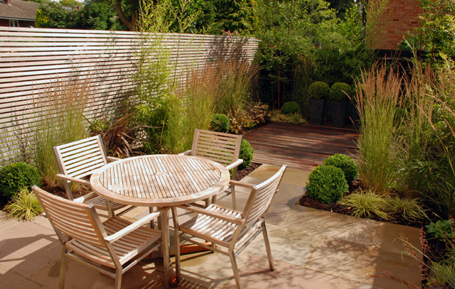 Contemporary garden design for a modern mews house Sutton 12`