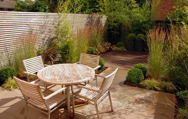 Contemporary garden design for a modern mews house Sutton 12`
