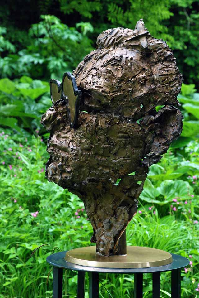'Bono' sculpture by Guy Portelli