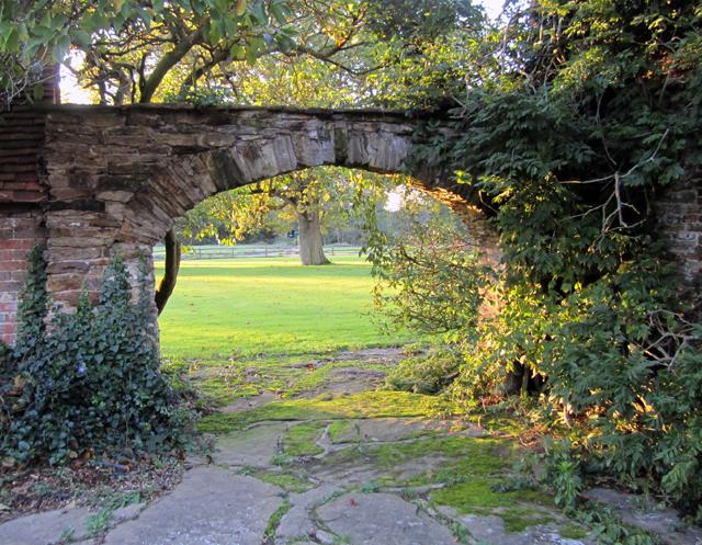 Horsham stone archway Lisa Cox Garden Designs