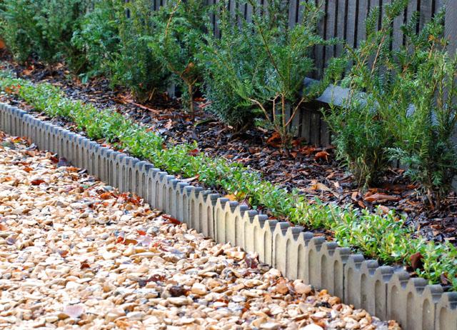 Victorian driveway edging Lisa Cox Garden Designs