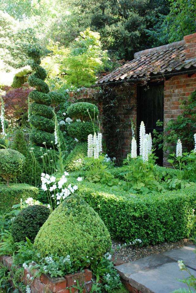 Topiarist's Garden Chelsea Artisan 2014 Lisa Cox