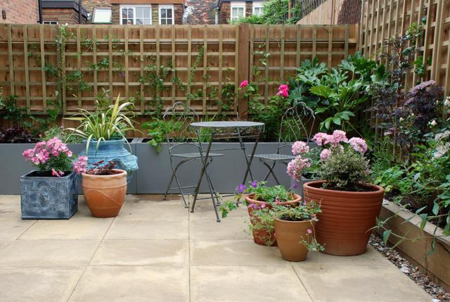 Courtyard garden Bletchingley Lisa Cox Designs
