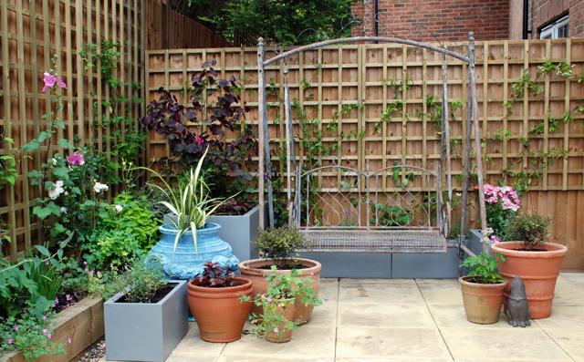 New courtyard garden Bletchingley Lisa Cox Designs