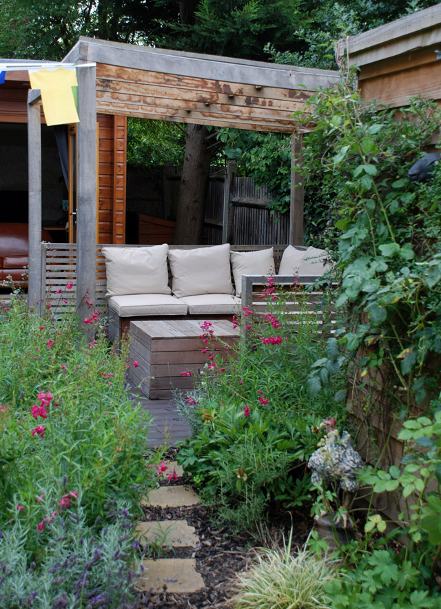 Twickenham garden 2 years on Lisa Cox Designs