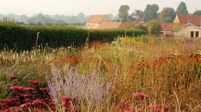 An inspiring visit to hauser wirth in somerset part for Piet oudolf planting schemes