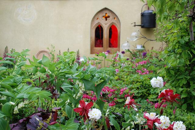 Alice in Wonderland Festival Garden RHS Malvern Lisa Cox