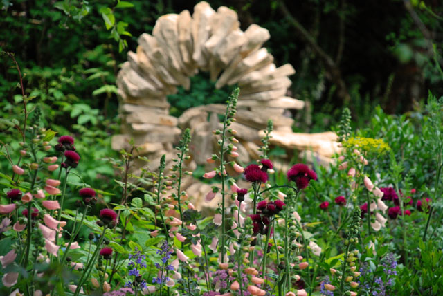 Tom Stogdon Sculpture in M&G Garden RHS 2015 Chelsea Flower Show Lisa Cox