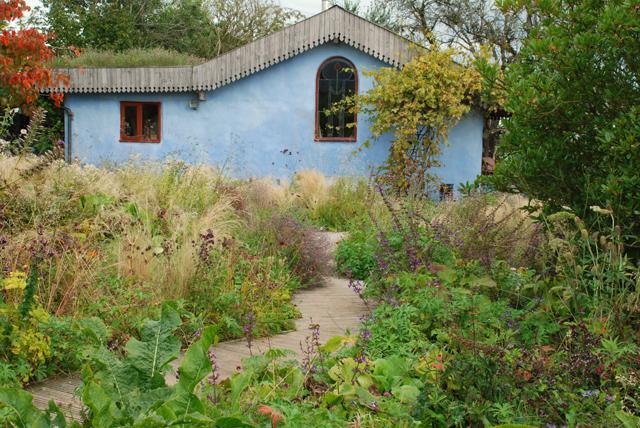 Gravel garden & Pavillion Noel Kingsbury NGS open day Lisa Cox Designs